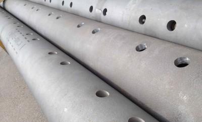 3d Wasserstrahlschneiden: Löcher in die Rohre schneiden