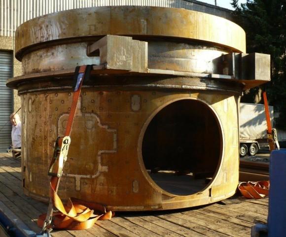 Reaktor nach 3d Wasserstrahlschneiden: runde Öffnung