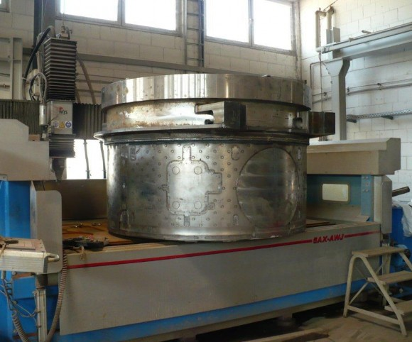 Reaktor vor 3d Wasserstrahlschneiden